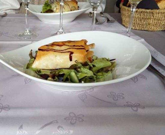 Valonia, Bélgica: Feuilleté chèvre lardons