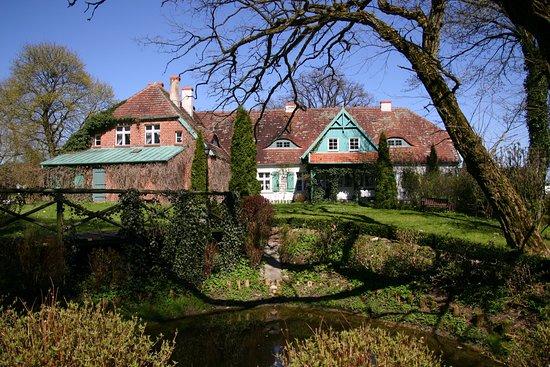 Wybicki Manor in Sikorzyno