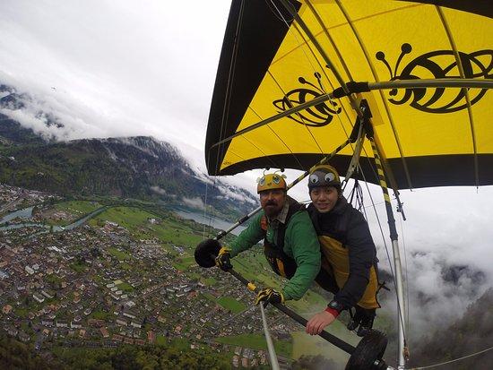 Matten bei Interlaken, Switzerland: Bumblebee rocks!!!