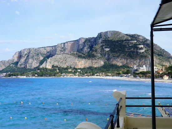 Monte Pellegrino da una delle terrazze. - Picture of Alle Terrazze ...