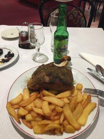 ครีเทล, ฝรั่งเศส: Mechoui d'agneau et frites