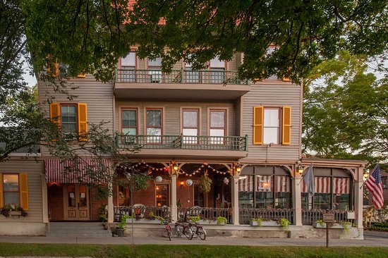 The inn at saratoga updated 2018 hotel reviews price for Hotels saratoga springs new york