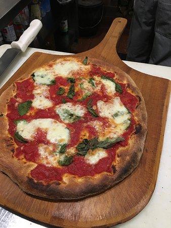 Olney, MD: Pizza Margherita