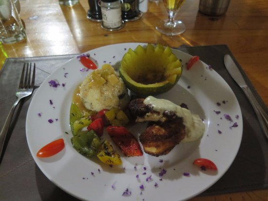 Outjo, Namibia: Delicious food beautifully presented.