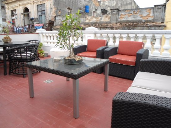 Terrace picture of madero bed and breakfast havana for Breakfast terrace