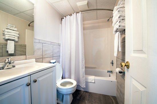Сисайд-Хайтс, Нью-Джерси: 2017 renovated bathroom
