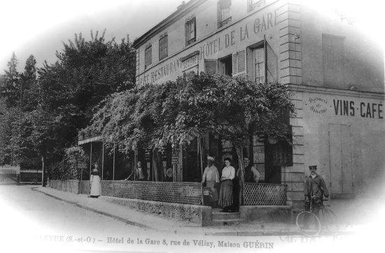 L'Escarbille: carte postale du restaurant datant du siècle dernier......