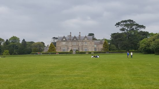 Riverside Hotel Killarney: Muckross house a definite to see