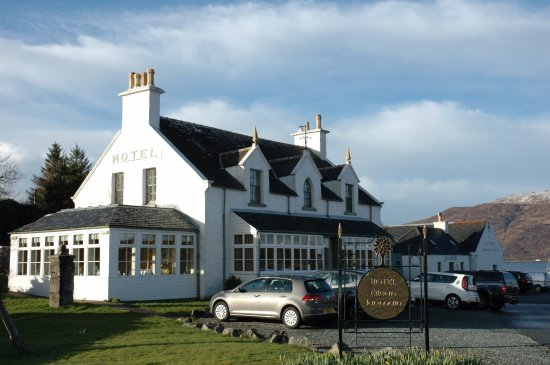 Sleat, UK: Outside of the hotel