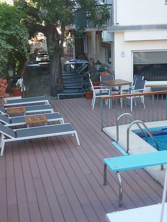 Hotel Trave: La piscine