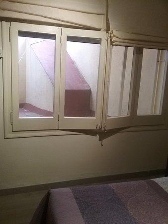 Hotel Trave: Chambre sans vue