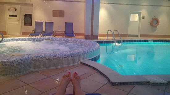 Moscow Marriott Grand Hotel: pool and jaccuzzi area