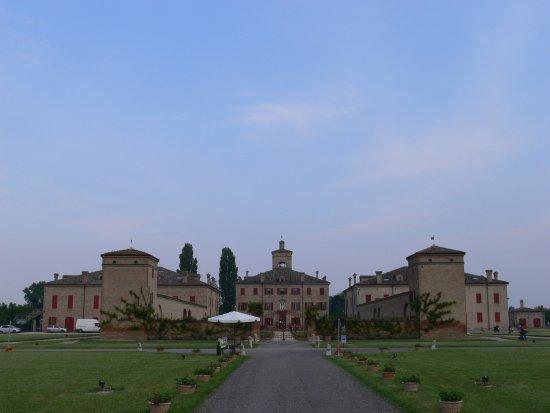 Villa Cavazza, Corte della Quadra