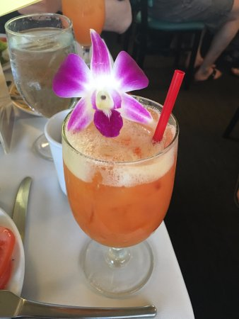 Star of Honolulu - Dinner and Whale Watch Cruises: Welcome drink on Star of Honolulu
