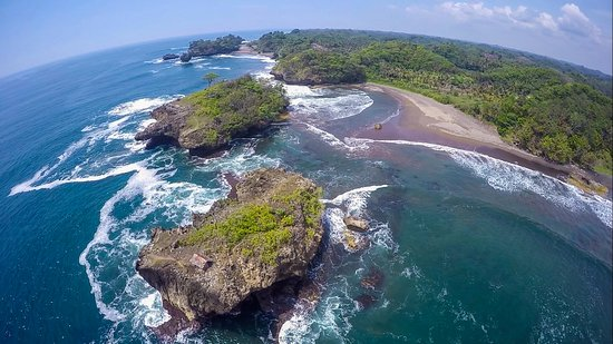 Pangandaran, إندونيسيا: pantai madasari dari atas ketinggian
