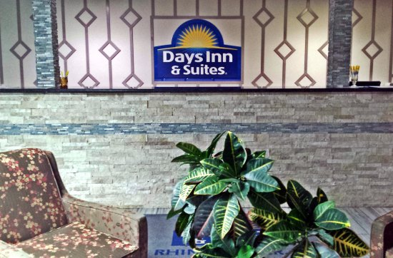 Days Inn & Suites by Wyndham Rhinelander