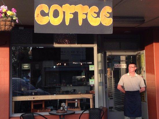 Eketahuna, Yeni Zelanda: Early morning in Tararua!  Coffee anyone?!