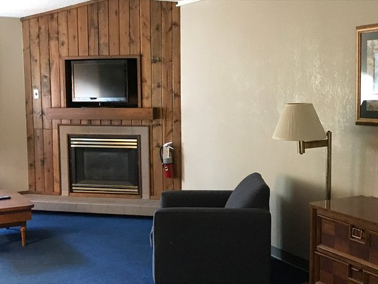 Sidney James Mountain Lodge: Suite Room.   Room #408