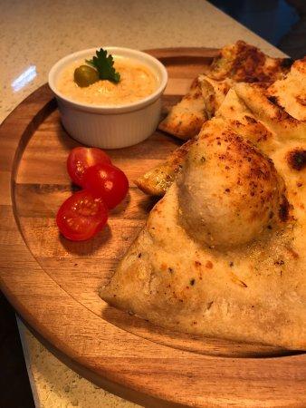 Rawtenstall, UK: Chilli Humus and Nan