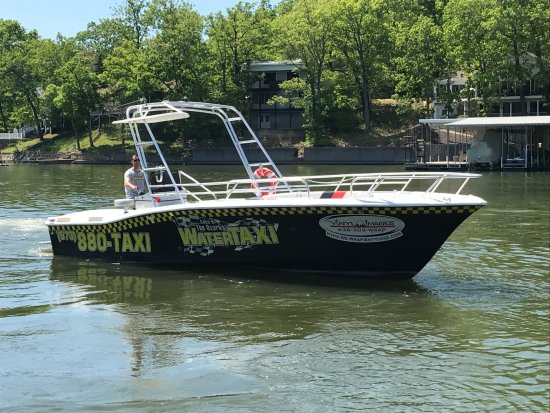 Lake Ozark, MO: Our new 13 passenger boat!