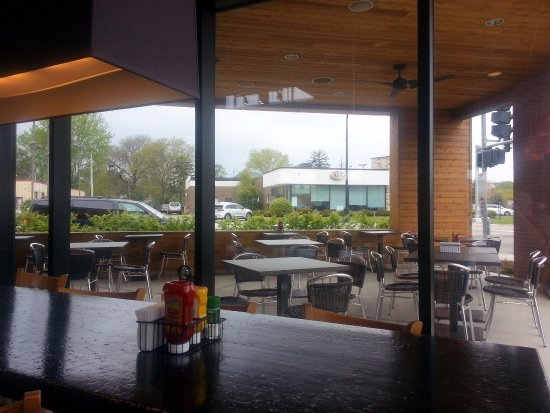 Lincolnwood, IL: covered outdoor patio