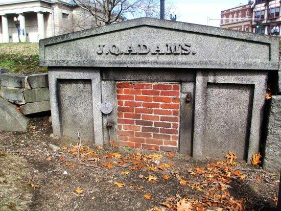 Quincy, MA: Adams crypt