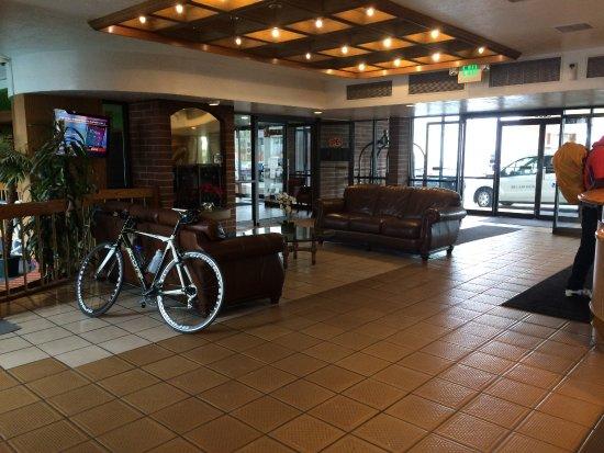airport inn hotel updated 2017 prices reviews salt. Black Bedroom Furniture Sets. Home Design Ideas