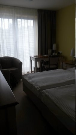 Dolce Villa Hotel: 20170507_132809_large.jpg