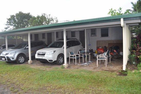 Millaa Millaa, Australie : One block of three cabins