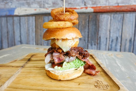 Coogee, Australia: The captain burger