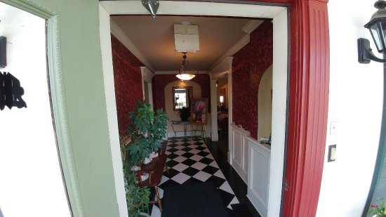 Maryhill, Kanada: Front Hall