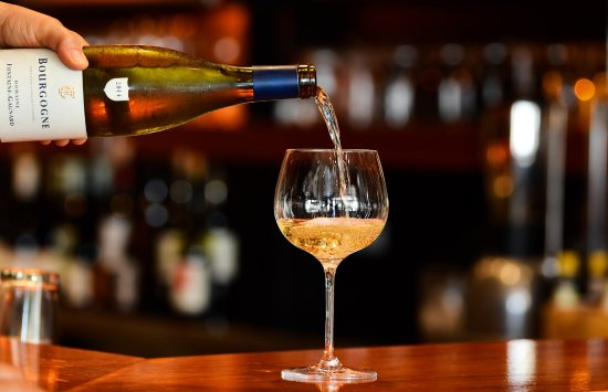 Highgate, Australia: With 400 wines on the Master List and almost 40 by the glass, tis is a wine lovers paradise.