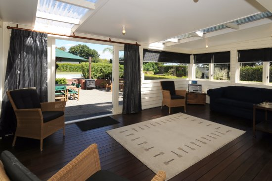 Morrinsville, Nuova Zelanda: Looking to the outdoor dining area