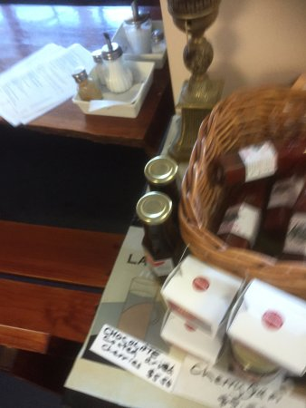 Glenrowan, Αυστραλία: fresh pickles and relish for sale