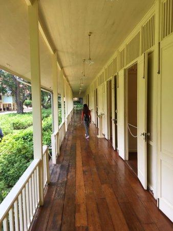 Klai Kang Won Palace: 古老的迴廊