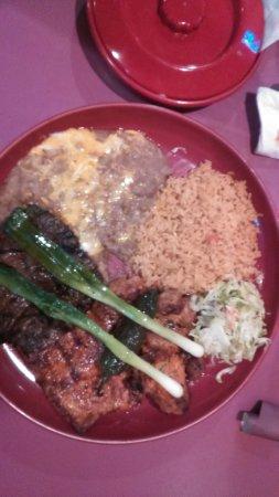 โมเสสเลก, วอชิงตัน: Grilled steak, pork, and chicken. Very good!!