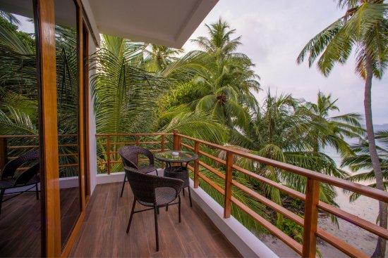 Dharavandhoo: kihabeach luxury island life