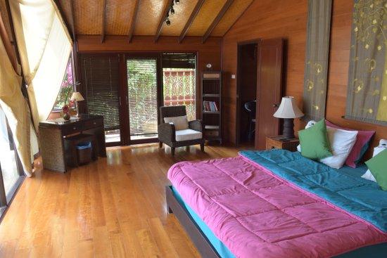 Banyan Villas (Thailand) Co., Ltd.: Banyan Villa 3 Master Bedroom (Dressing Room and en-suite not shown)