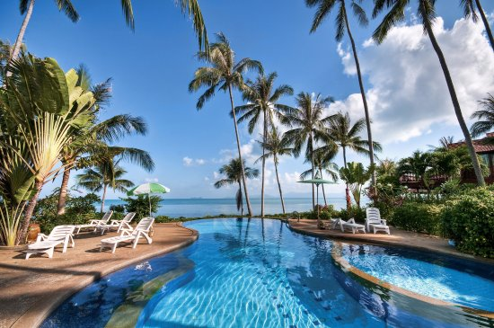 Banyan Villas (Thailand) Co., Ltd.: Banyan Villas - Beach front shared pool - view from Villa 3