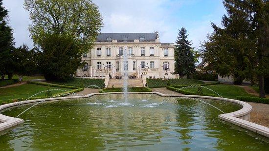 Rilly-la-Montagne, Francia: façade arrière