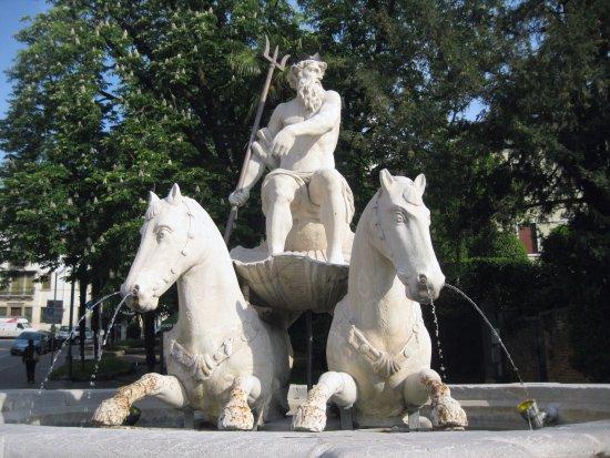 Fontana del Nettuno