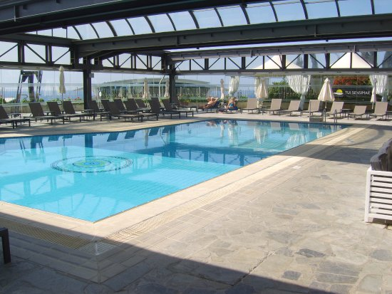 Nice Atlantica Bay Hotel: Indoor Pool With Retractable Roof