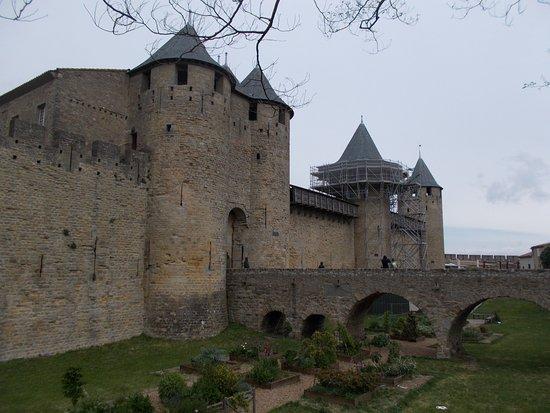 le chateau comtal picture of chateau et remparts de la cite de carcassonne carcassonne. Black Bedroom Furniture Sets. Home Design Ideas