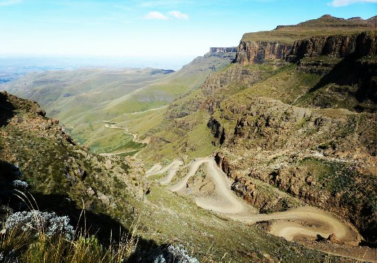 Mkomazana Mountain Cottages: Sani Pass, view from the top