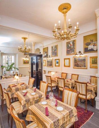 Nonnos Ragusa Restaurant Rooms