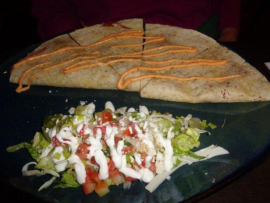 Hussong's Cantina: Chicken Quesadilla