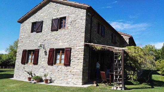 Parrano, Italy: 2 suite piano terra con ingresso e giardino indipendente: una con ingresso a dx e una a