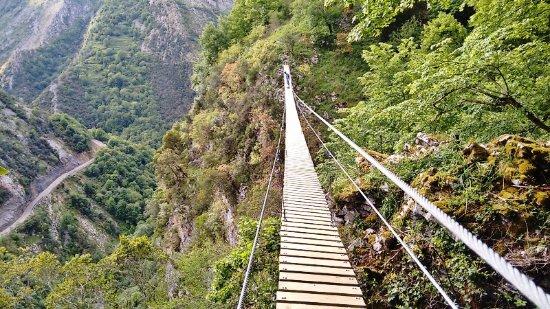 Ponga, Spanien: Puente Tibetano