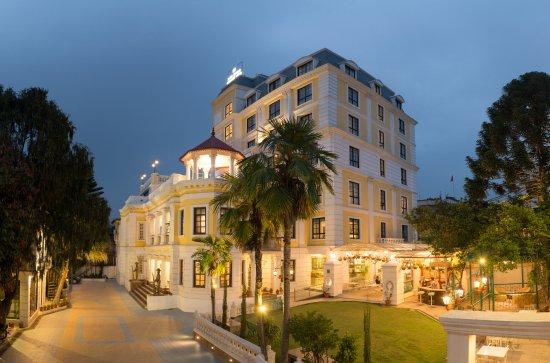 Maya Manor Boutique Hotel