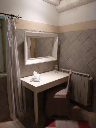 Graveson, Frankrijk: Suite de Fontbelle. Salle de bain